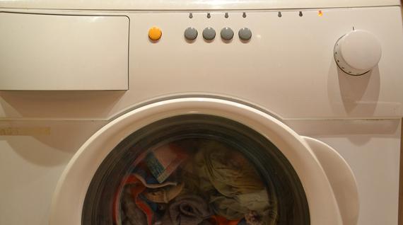 wasmachine stinkt | wat te doen tegen een stinkende wasmachine?
